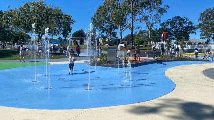 SplashSide Choreographed Fountains